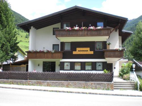 Ferienhaus Am Großglockner - Apartment mit 2 Schlafzimmern mit Balkon
