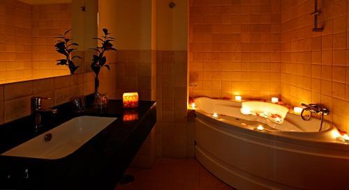 Best PayPal Hotel in ➦ Santa Fe: