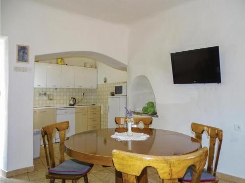 Two-Bedroom Apartment in Stanjel, Štanjel