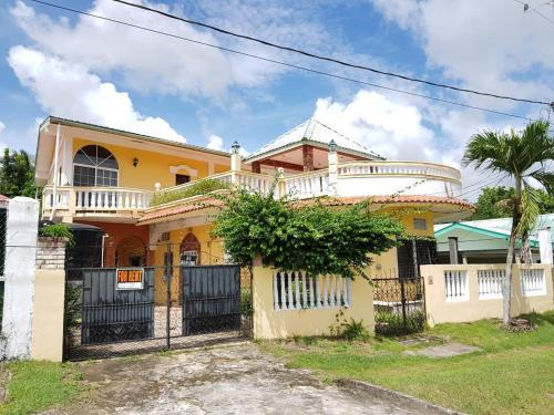 Rivero Mini Mansion