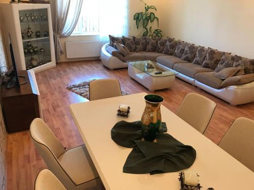 Long Term Cozy Villa Baku Azerbaijan, Baku