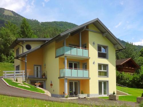 Appartementhaus Monika - Apartment mit 3 Schlafzimmern und Balkon