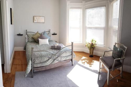 3 Bed APT Near Downtown-6 Guests