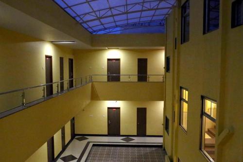 Hotel Varenya Inn