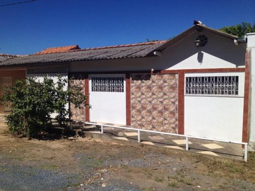 Rancho na Beira da Represa