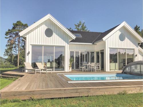 Four-Bedroom Holiday Home in Sogne, Søgne
