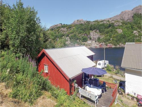 One-Bedroom Holiday Home in Ana-Sira, Åna-Sira