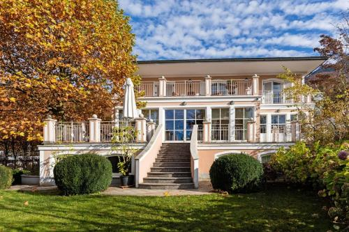 Beautiful Villa with View Over Salzburg and Pool