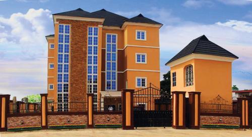De Royal Legacy Hotel and Suites