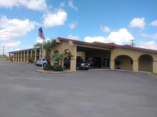 Days Inn by Wyndham San Antonio Lytle