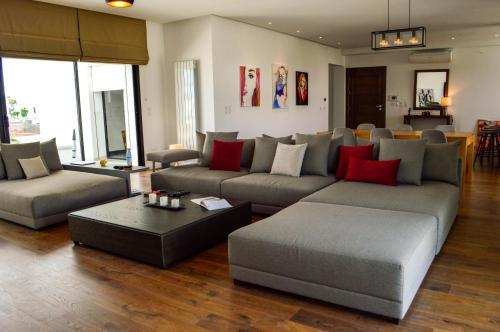 Cosy S2 Apartment in La Soukra, Sukrah
