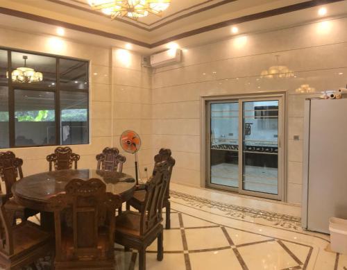 Qin Shan Ju Guesthouse, Pingshan