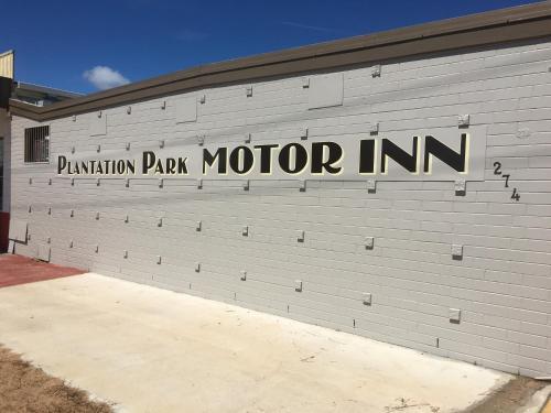 Ayr Plantation Park Motor Inn