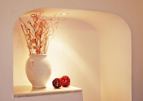 Reverie Santorini Hotel, Thira, Greece Overview | priceline.com