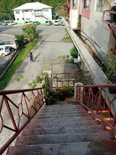 Skyway Apartment, Koror