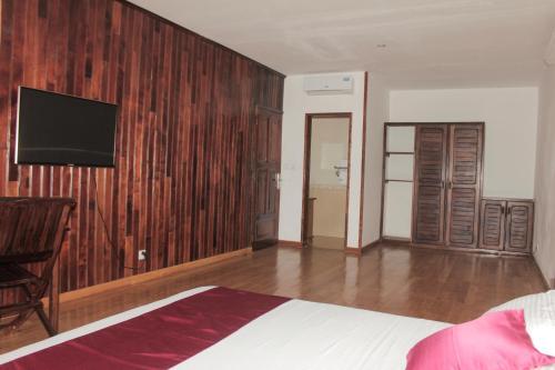 BELLE ROSE BEACH HOTEL, Antalaha