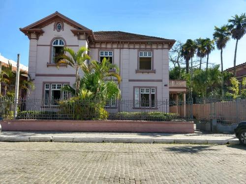 Vila Santa Eulalia Hostel e Pousada