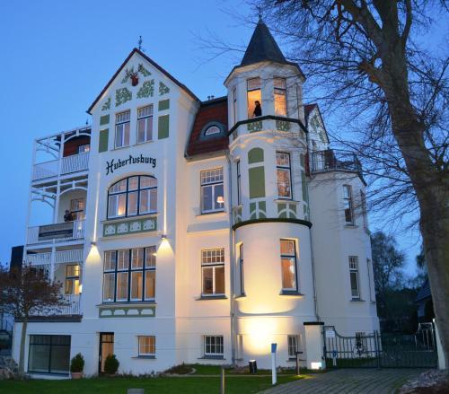 Отель Hubertusburg Appart Hotel 4 звезды Германия