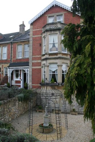Photo of Cranleigh Hotel Bed and Breakfast Accommodation in Bath Somerset
