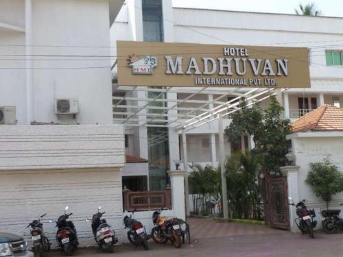 AMOGHRAJ Hotel Madhuvan International