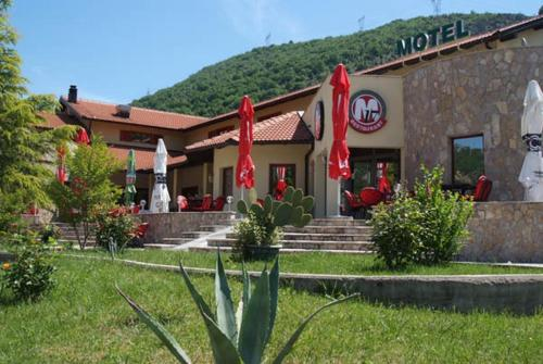 Motel M17 front view