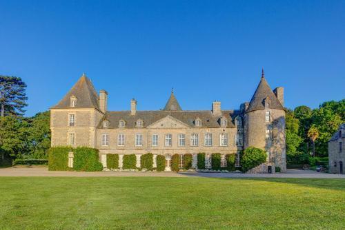 Tocqueville-les-Murs Chateau Sleeps 10 WiFi