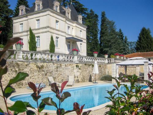 Dignac Chateau Sleeps 10 Pool WiFi