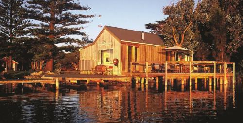 Boathouse & Birks River Retreats