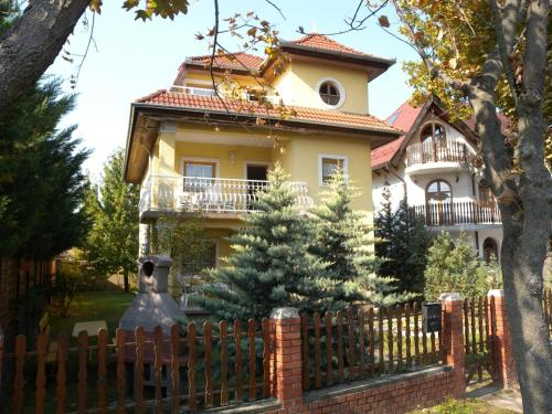 Apartment in Zamardi/Balaton 33875