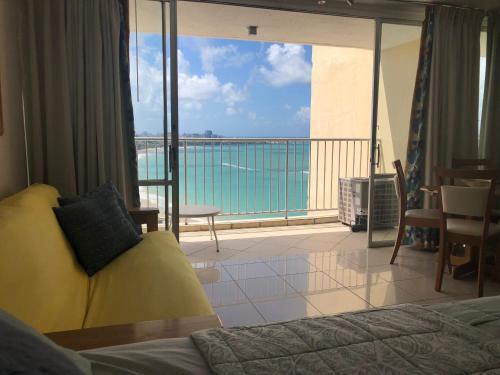 Beach Front Beach View ESJ Azul Studio Apartment, San Juan