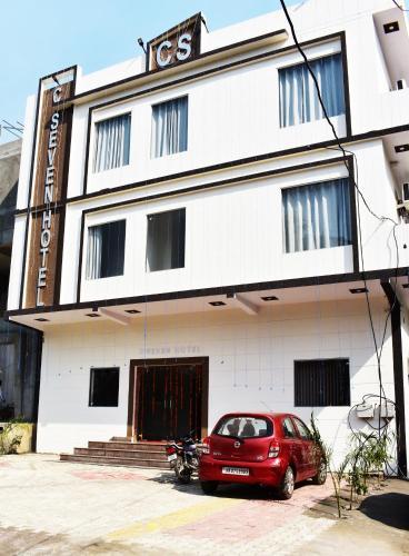 C SEVEN HOTEL