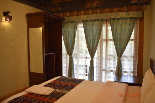 Semtokha Villa, Thimphu