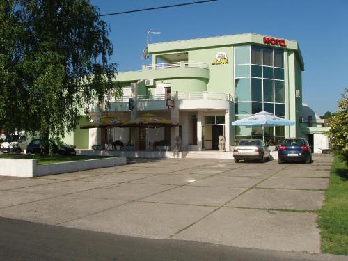Motel Lav