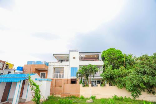 V Resorts Vizag Palms, Bhīmunipatnam