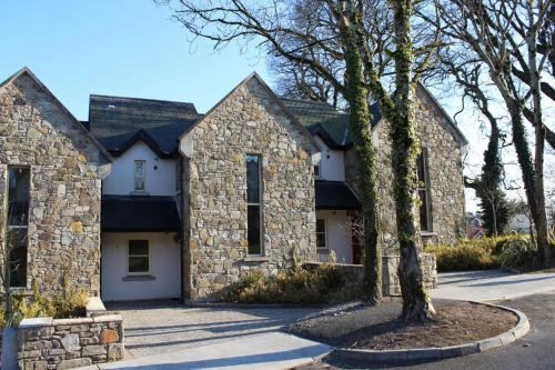 Photo of Lakeside View Hotel Bed and Breakfast Accommodation in Mountshannon Clare