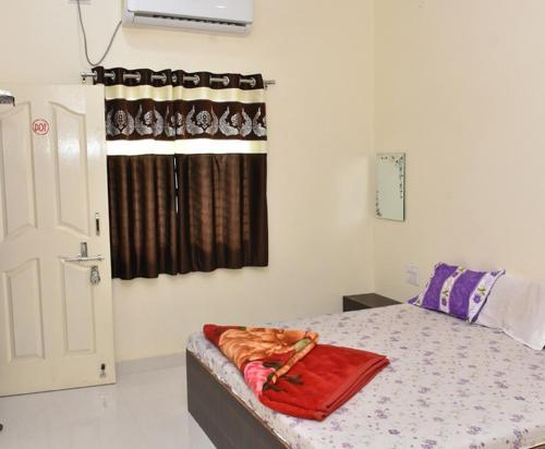 Hotel Shivalay Shegaon