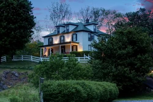 More about Nellysford Country Inn