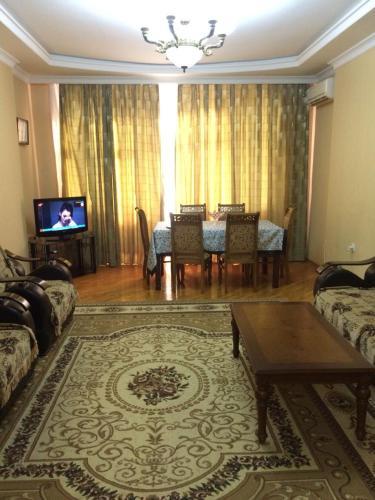 Host Apartament, Baku
