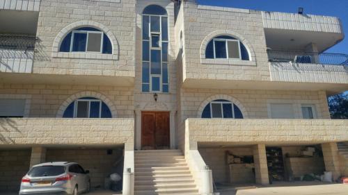Barmil's Resident, Bethlehem