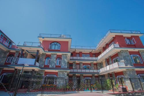 OYO 227 Hotel Moonstone Inn, Pokhara