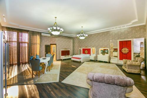 VIP VILLA 12 BEDROOMS, Baku