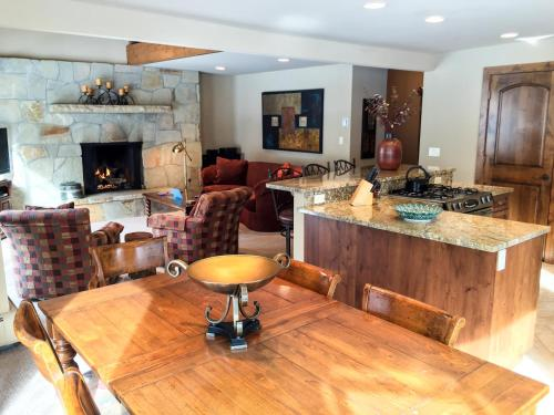 More about Stunning 3 Bedroom East Vail Condo #703. Steps to the Shuttle.