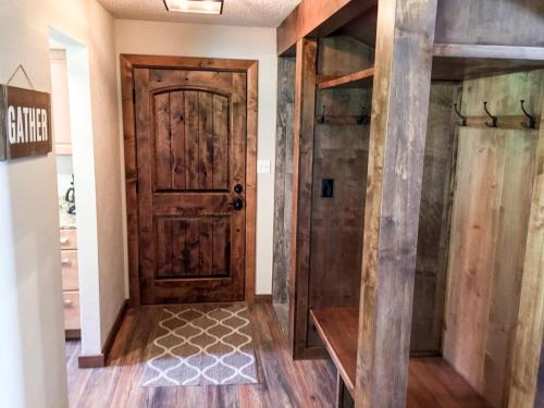 More about Beautifully Remodeled East Vail 3 Bedroom Condo #809 on Shuttle.