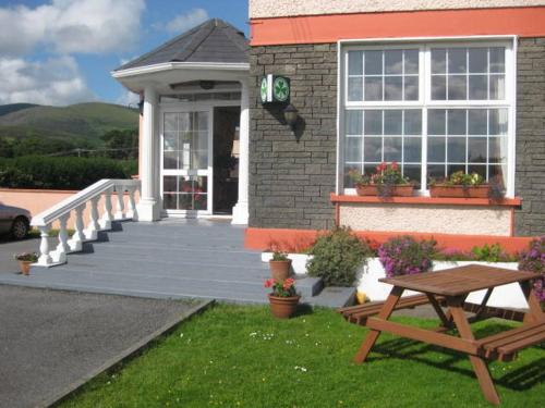 Photo of Alpine Guesthouse Hotel Bed and Breakfast Accommodation in Dingle Kerry