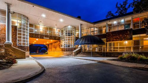 Best Western Plus The Inn & Suites at the Falls