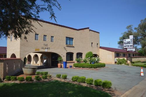 Alamo Motor Inn