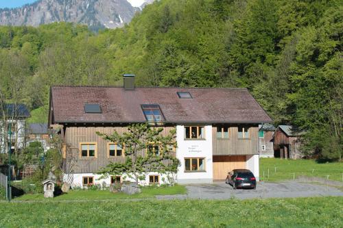 Ferienwohnungen Sutter - Apartment mit 1 Schlafzimmer und Balkon
