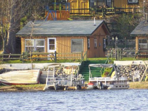 Crooked Lake Resort Cabin 1 (The lake side Stowaway)