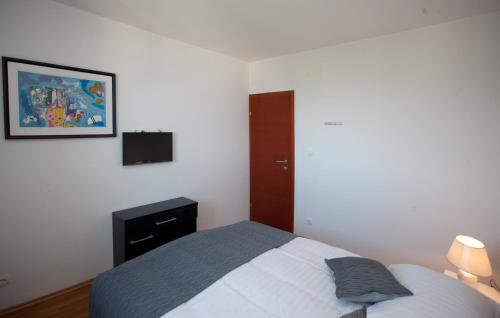 Apartament Comfort cu 2 dormitoare, terasă şi vedere la mare (Comfort Two-Bedroom Apartment with Terrace and Sea View)