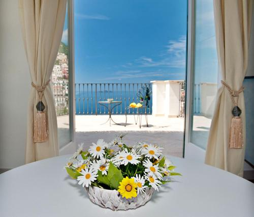 Two Connecting Rooms with Terrace and Sea View (4 Adults)